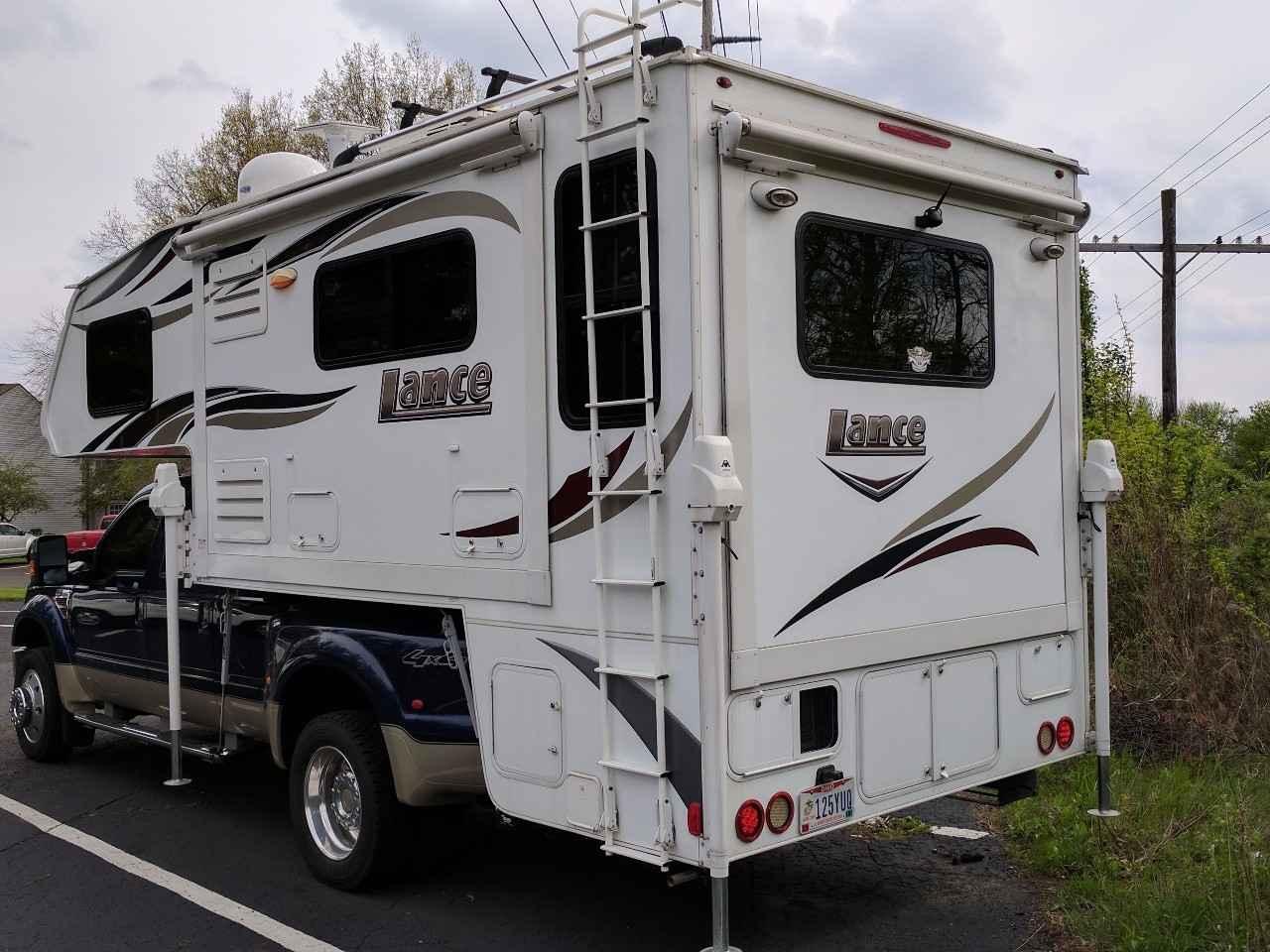 Camper Dealers In Ohio >> 2015 Used Lance 1172 Truck Camper in Ohio OH