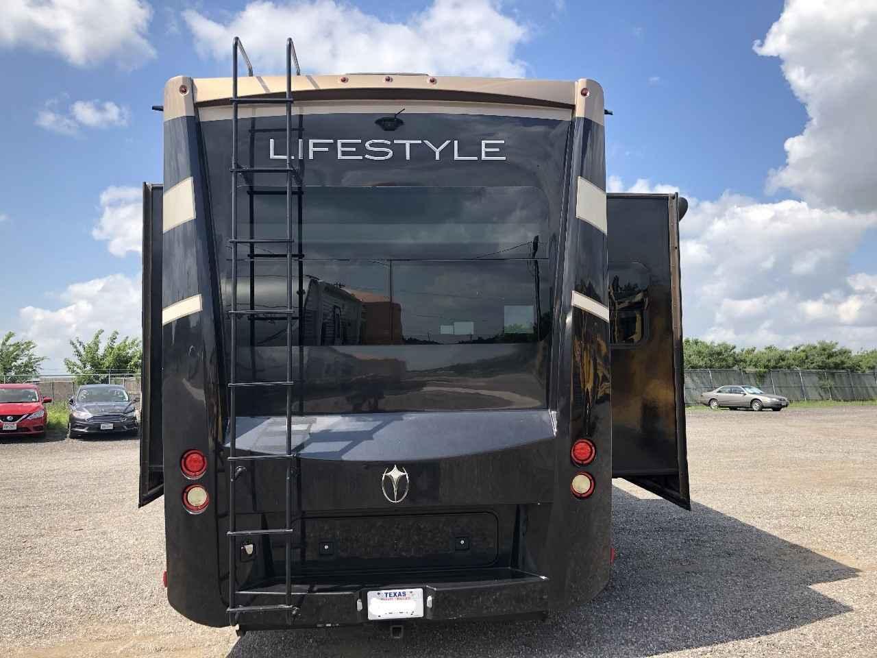 2015 Used Lifestyle Luxury Rv LIFESTYLE LS36FW Fifth Wheel