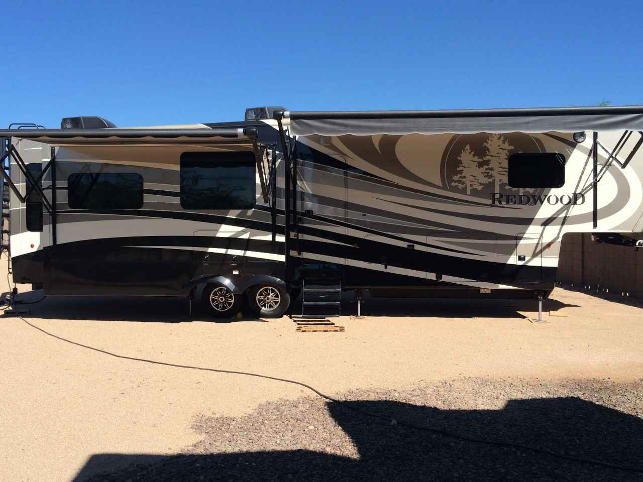 2015 Used Redwood 36rl Fifth Wheel In Oregon Or