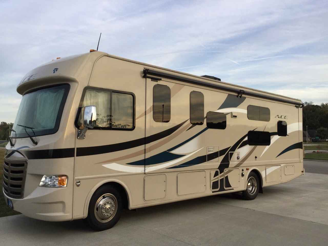 2015 used thor motor coach a c e 30 2 bunkhouse class a in for Motor coaches with 2 bedrooms