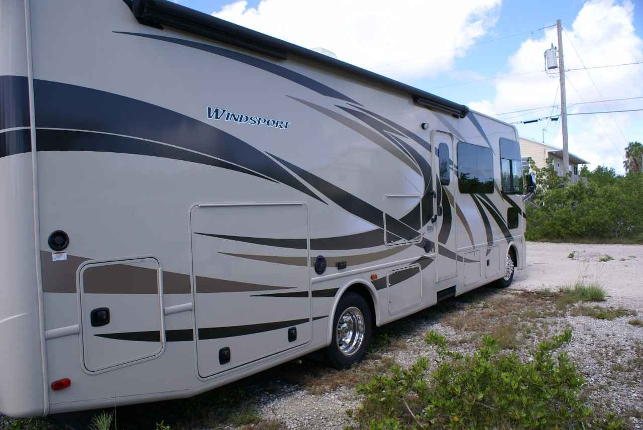 2015 Used Thor Motor Coach Windsport 32n Class A In Florida Fl
