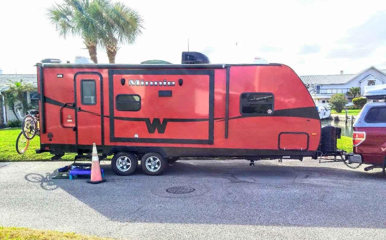 Minnie Winnie Travel Trailer >> 2015 Used Winnebago Minnie Winnie Travel Trailer In Florida Fl