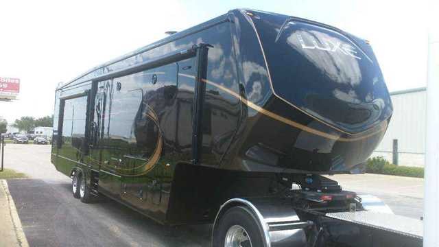 2016 New Augusta Rv Luxe Lf 39fb Fifth Wheel In Texas Tx