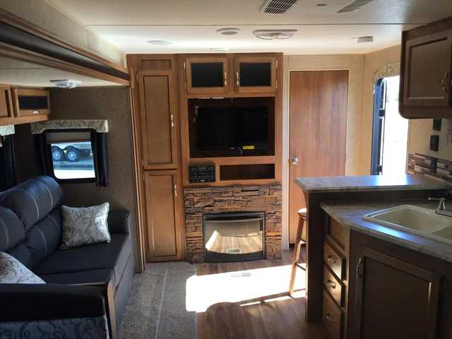 2016 New Coachmen Catalina 243rbs Travel Trailer In