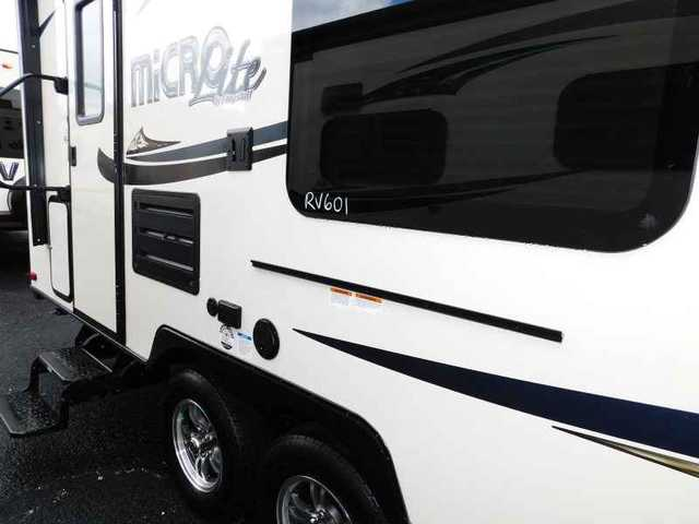 2016 New Forest River FLAGSTFF 25DKS SLIDE-OUT QUEEN BED