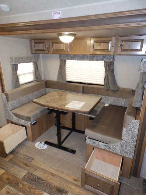 2016 New Forest River ROCKWOOD 2104S, 1 SLIDE, FRONT