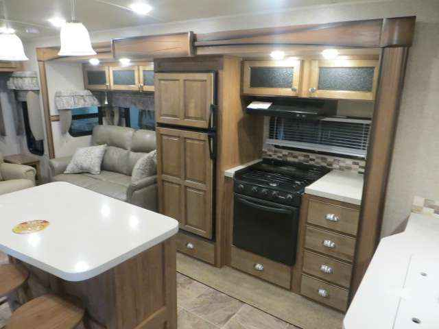 2016 New Forest River Rockwood 8329 Ss Travel Trailer In