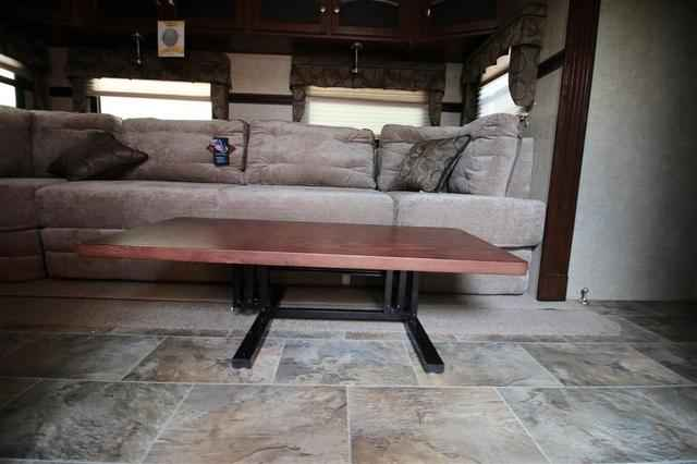 2016 New Forest River Rockwood Signature Ultra Lite 8327ss