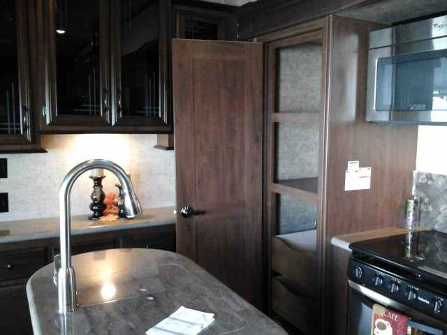 2016 New Forest River Sandpiper 377flik Fifth Wheel In New