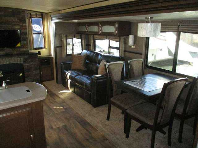 2016 New Forest River Salem Hemisphere 299re Travel