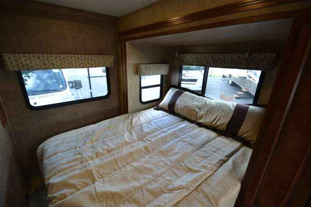 2016 New Forest River Sunseeker Rvs 2400w Class C In