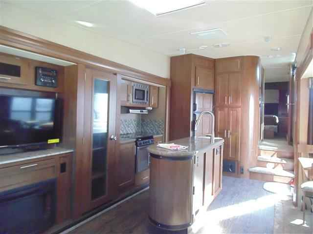 2016 New Forest River Wildcat 295rsx Fifth Wheel In