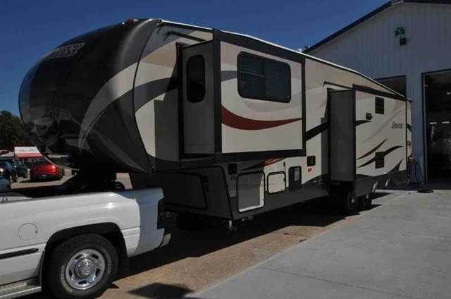 2016 New Keystone Sprinter 334FWFLS Fifth Wheel In Nebraska NE