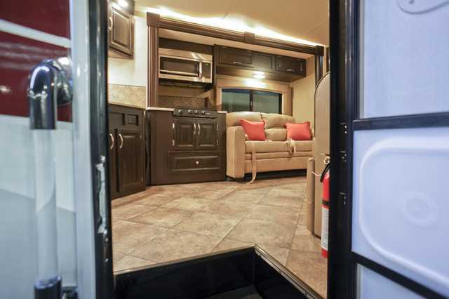 2016 New Nexus Rv Phantom 33sc Diesel Super C Motorhome N6