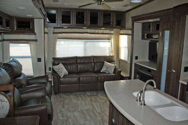 2016 New Palomino Columbus 377 Mbc Fifth Wheel In Texas Tx