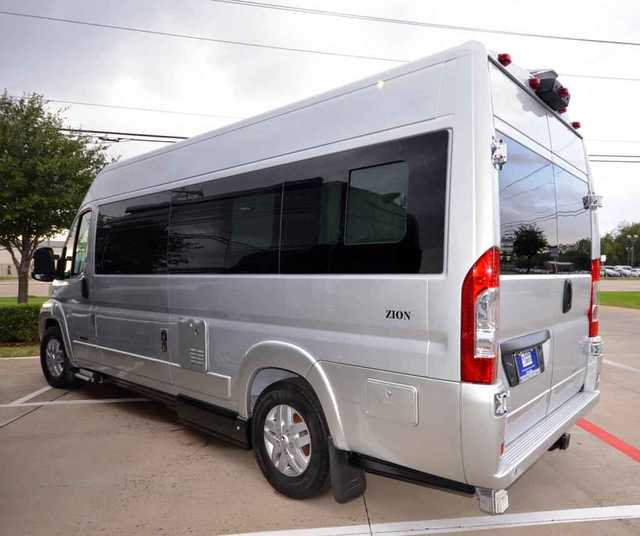 2016 New Roadtrek Zion Class B in Texas TX