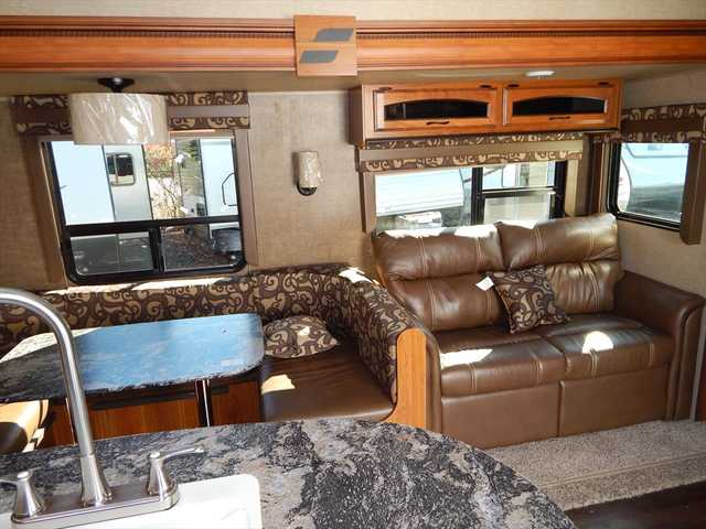 2016 New Starcraft Autumn Ridge 339BHTS Two Bedroom Triple Travel ...