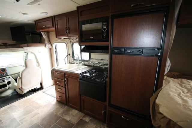 2016 New Thor Motor Coach Four Winds 24c Class C In South