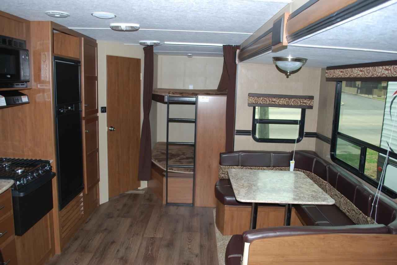 2016 Used Dutchmen Aspen Trail 2810bhs Travel Trailer In