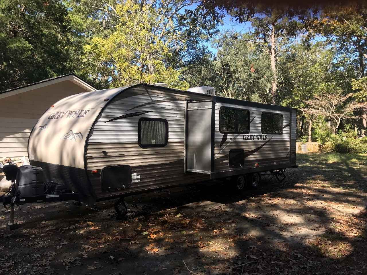 2016 Used Forest River Cherokee Grey Wolf 26dbh Travel
