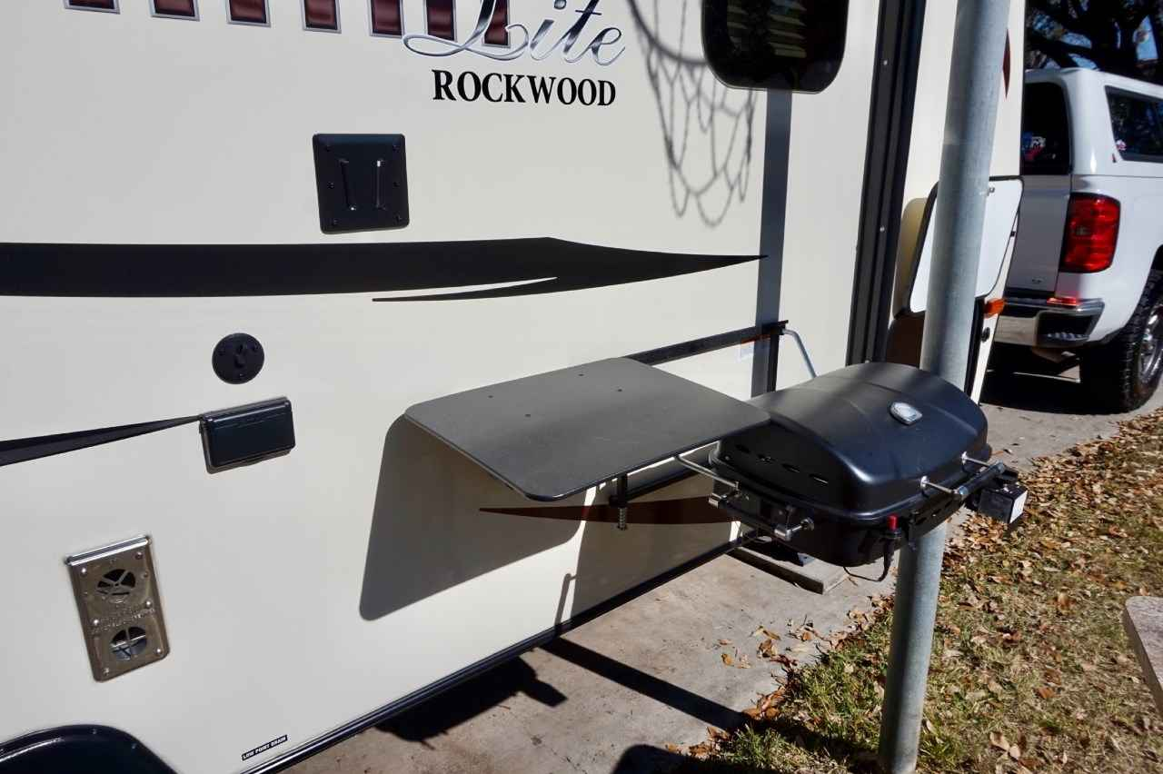 2016 Used Forest River Rockwood Mini Lite 2109s Travel