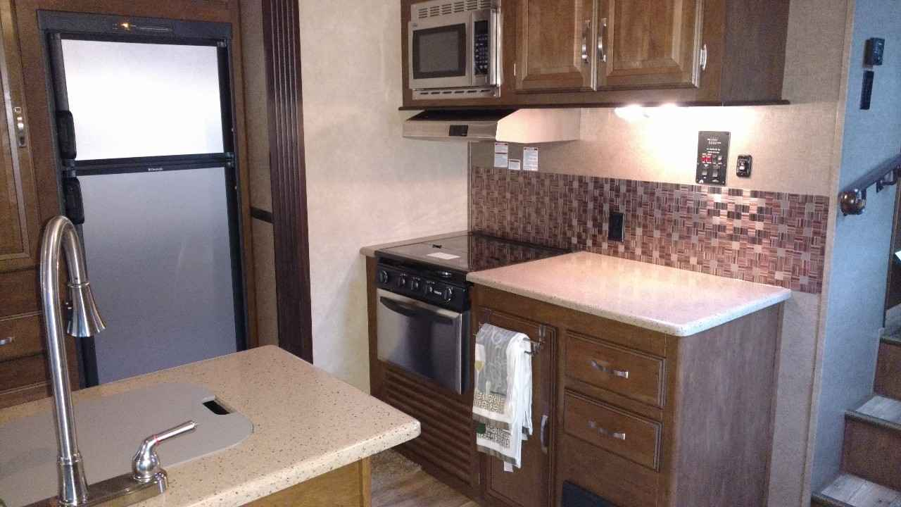 2016 Used Forest River Salem Hemisphere Fifth Wheel In