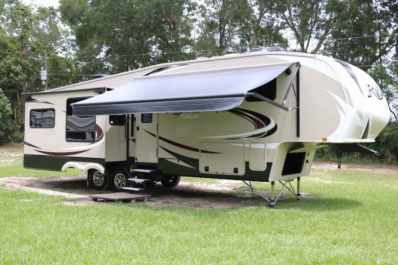 2016 Used Grand Design REFLECTION 337RLS Fifth Wheel In