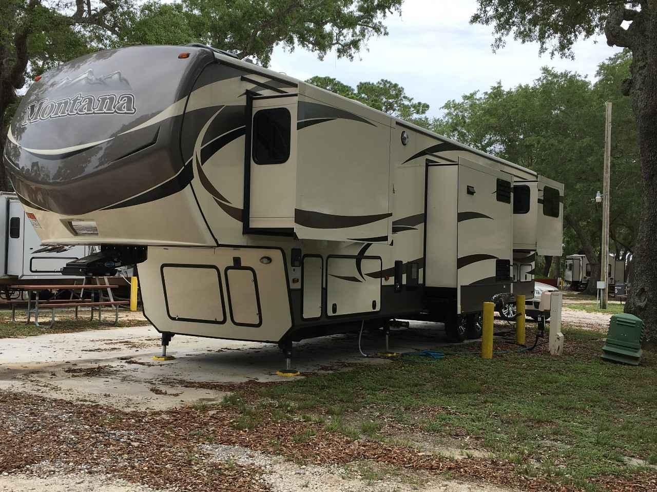 2016 Used Keystone Montana 3790rd Fifth Wheel In Florida Fl