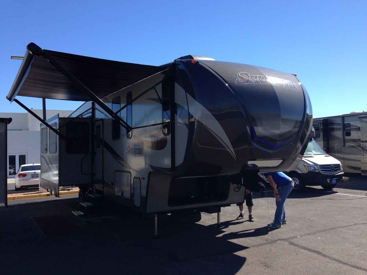 2016 Used Keystone SPRINTER WIDE BODY 298FWRLS Fifth Wheel