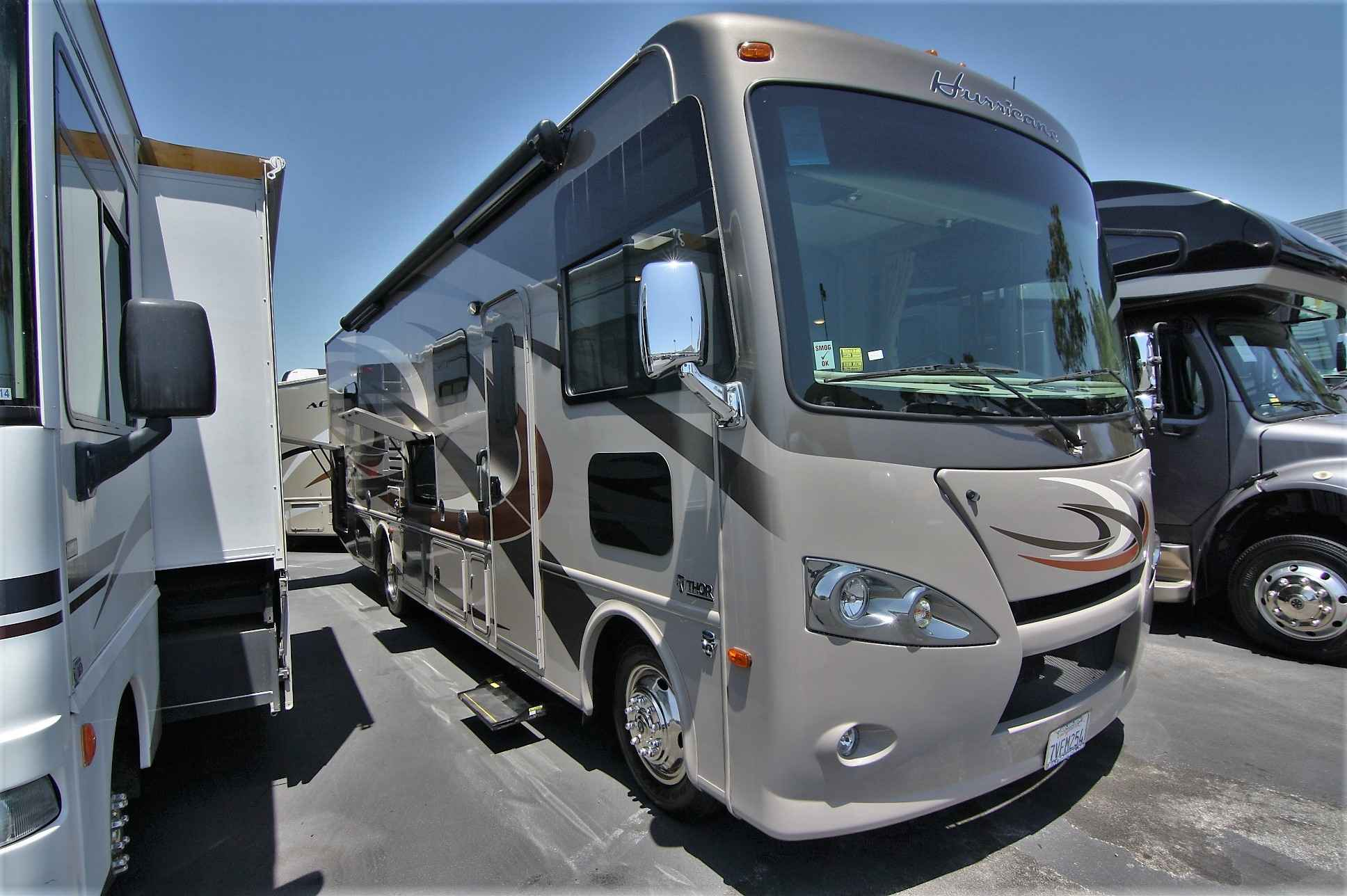 2016 used thor motor coach hurricane 31s class a in for Class a motor coach