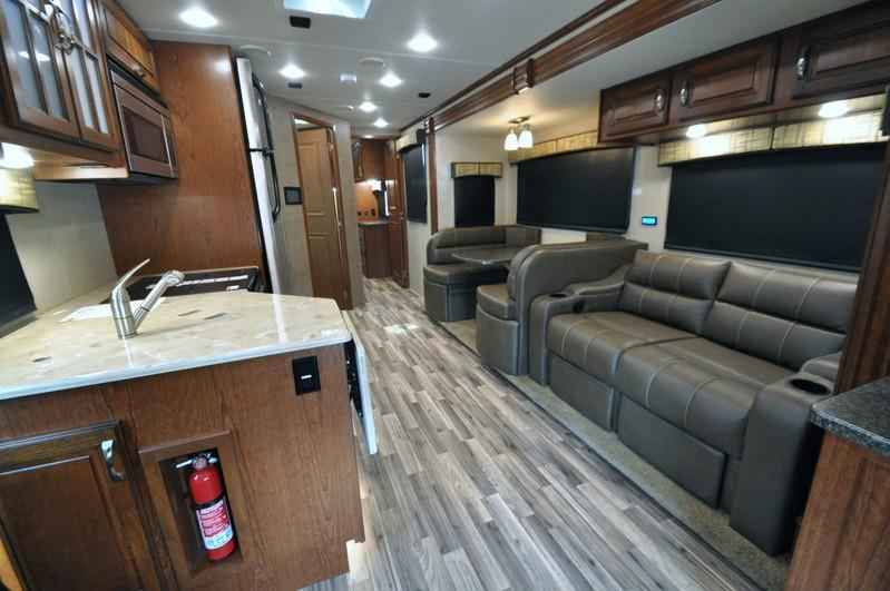 2017 New Dynamax Corp Isata 5 Series 36ds 4x4 Super C Rv