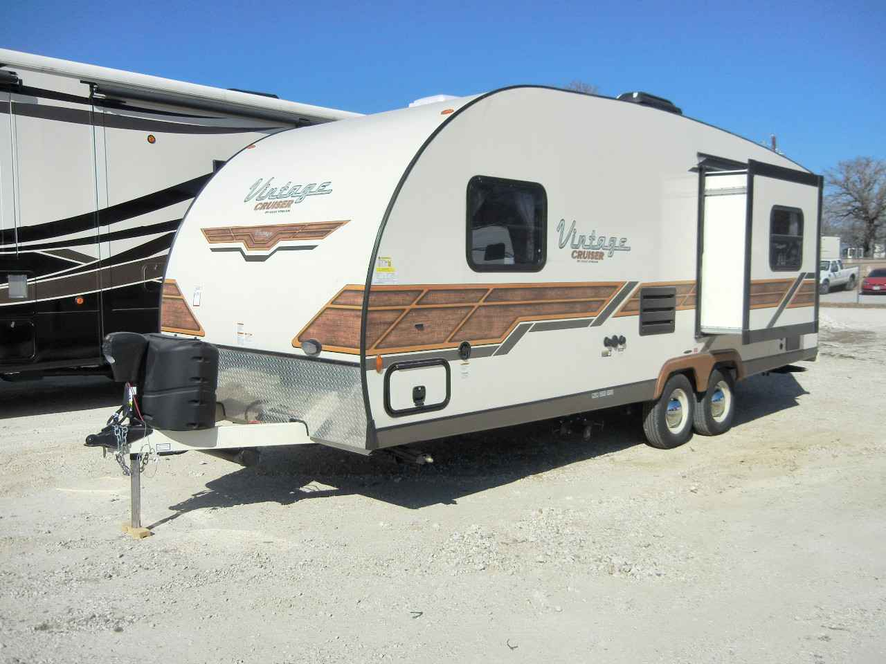 2017 New Gulf Stream Vintage Cruiser 23rss Woody Travel