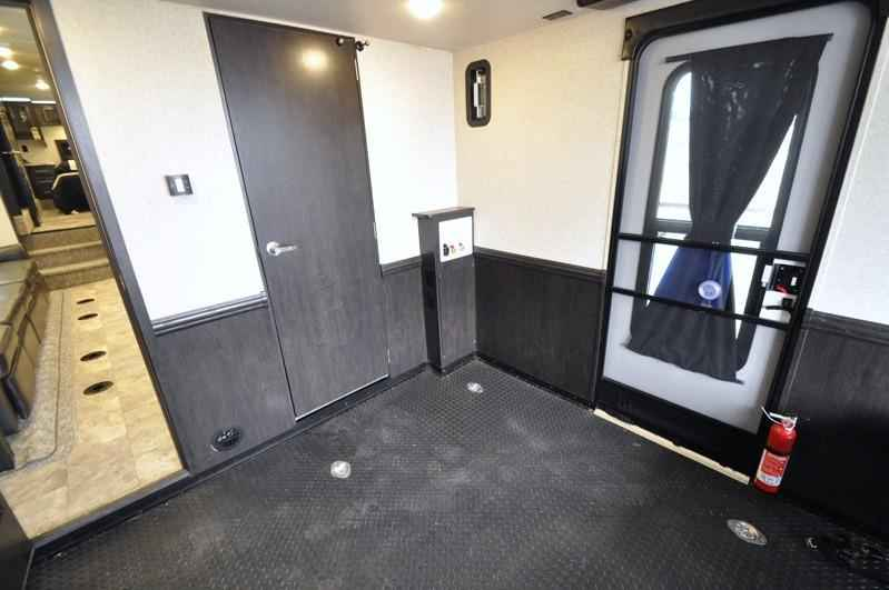 2017 New Heartland Rv Road Warrior Rw413 Bunk House 2 Full