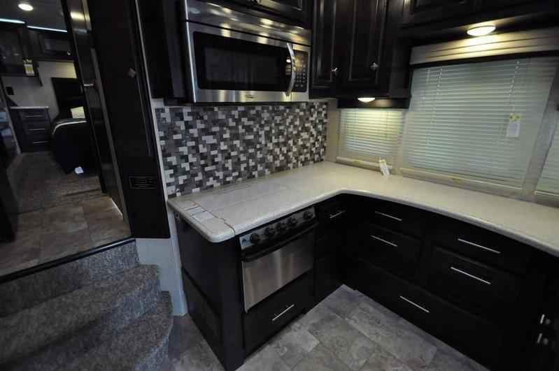 Road Warrior Rv >> 2017 New Heartland Rv Road Warrior RW427 Bath & 1/2, Bunk Beds Fifth Wheel in Texas TX