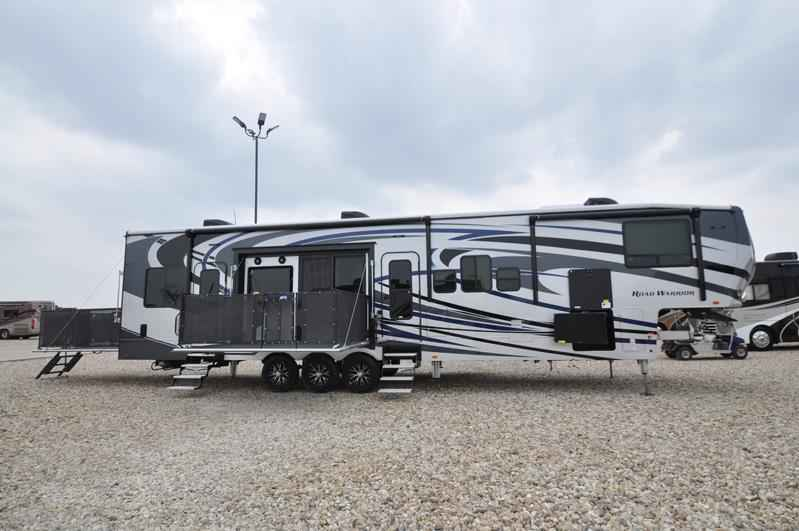 Excellent 2017 New Heartland Rv Road Warrior RW427 WFull Paint Dual Pane 3 AC Arct
