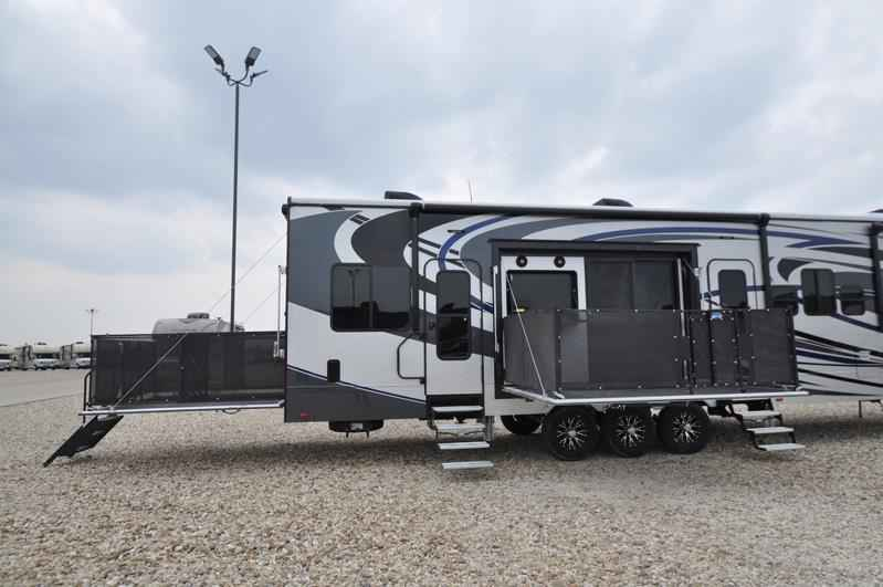 Perfect 2017 New Heartland Rv Road Warrior RW427 WFull Paint Dual Pane 3 AC Arct