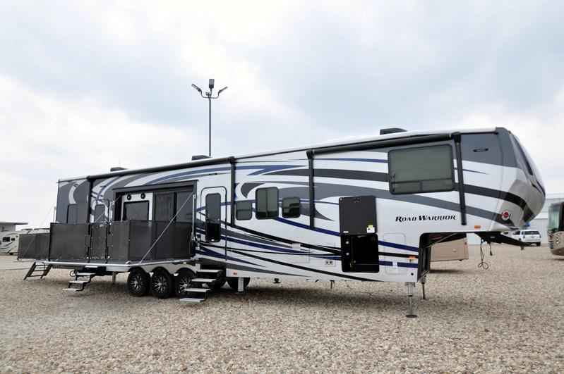 Fantastic 2017 New Heartland Rv Road Warrior RW427 WFull Paint Dual Pane 3 AC Arct