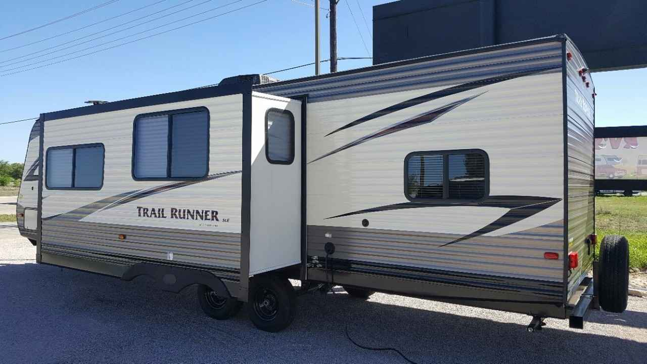 2017 New Heartland Trail Runner 302sle Travel Trailer In