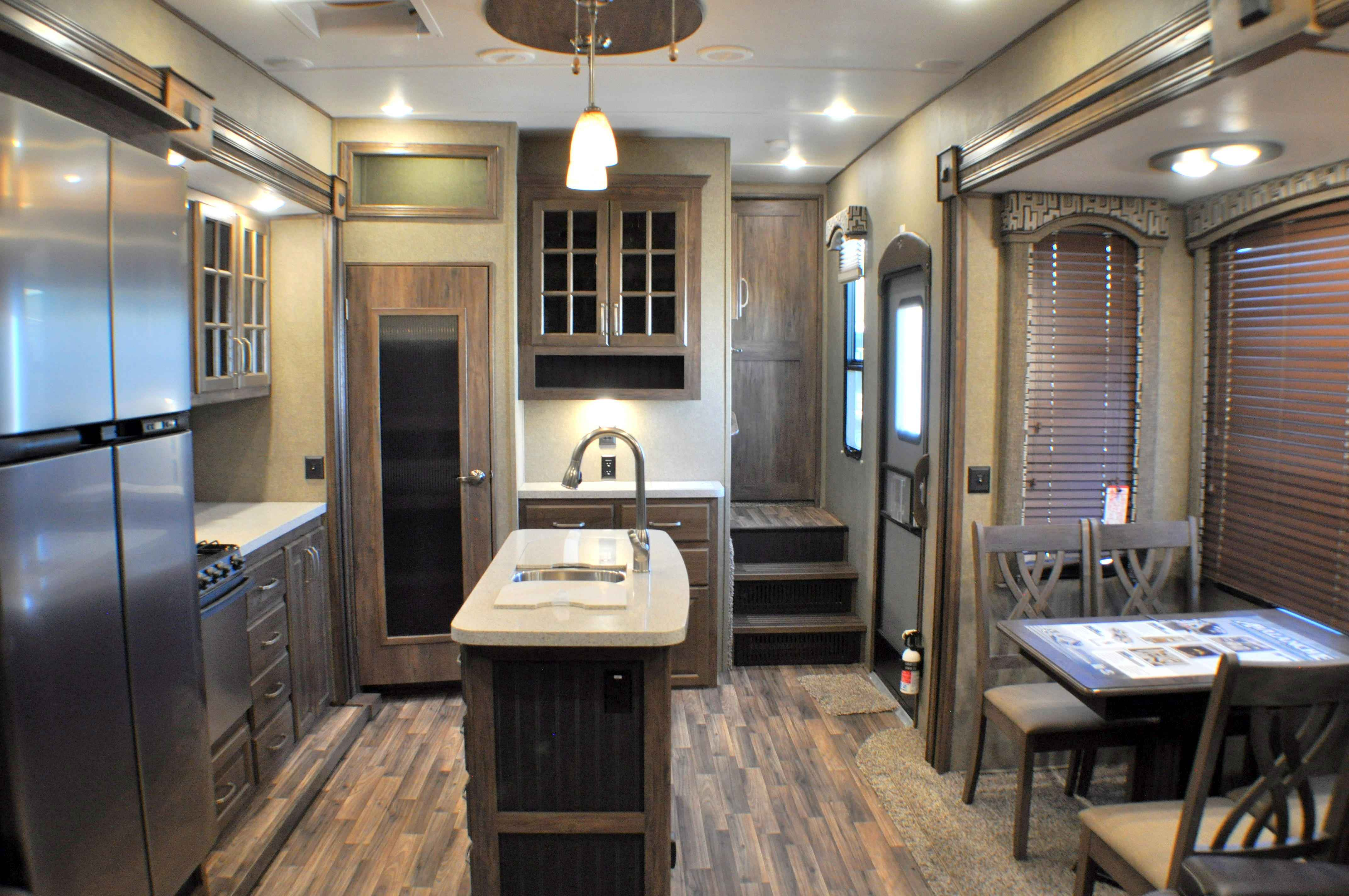 2017 New Keystone Rv Avalanche 300re Fifth Wheel In
