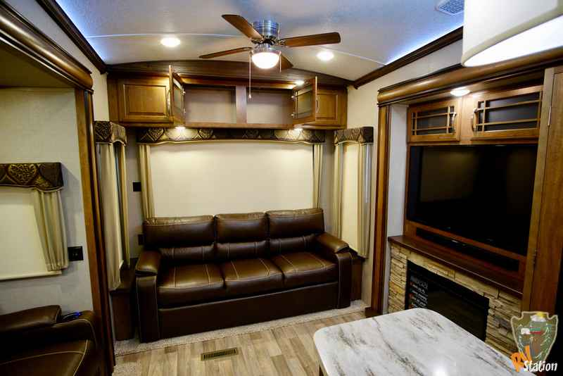 Cool 2017 New Keystone Rv Montana 3921FB Fifth Wheel In Texas TX 89997