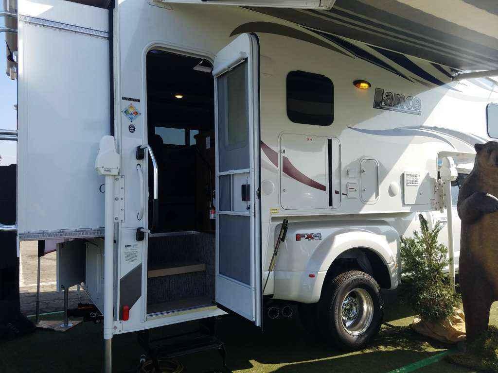 2017 New Lance 1172 Truck Camper In California Ca
