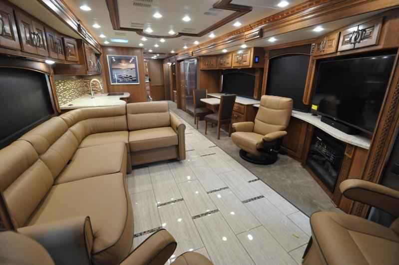 2017 New Monaco Rv Diplomat 43g Bath Amp 1 2 Luxury Rv For