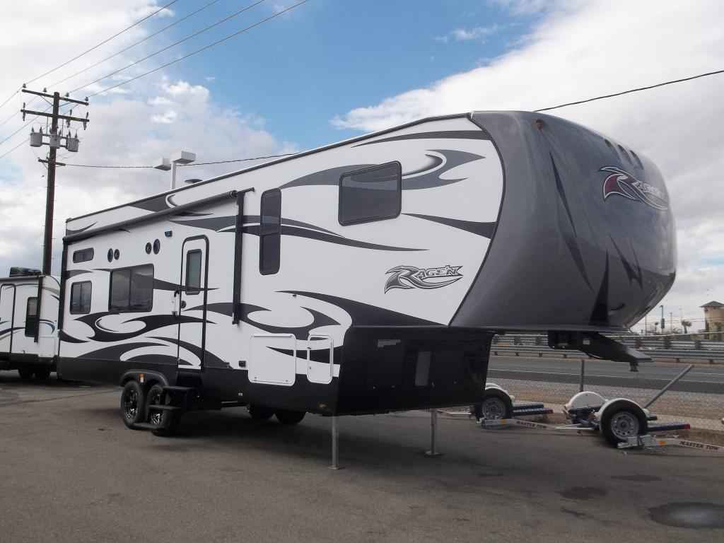 2017 New Pacific Coachworks Ragen F29 Fifth Wheel In