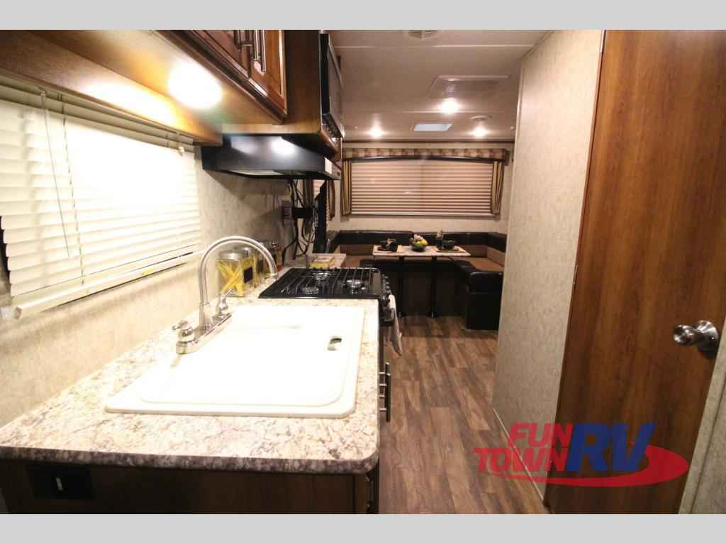 Tracer Air Travel Trailer Reviews