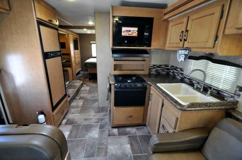 2017 new thor motor coach chateau 30d bunk house rv for sale at mh class c in texas tx. Black Bedroom Furniture Sets. Home Design Ideas