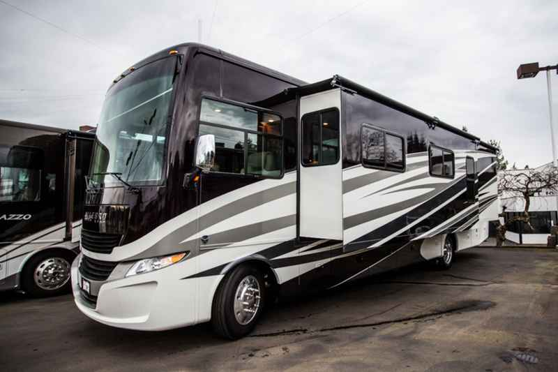 2017 New Tiffin Motorhomes Allegro 36la Class A In Oregon Or