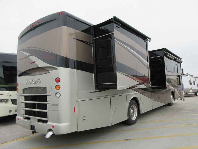 Excellent 2017 Winnebago Industries Inc Paseo Bf848p For Sale