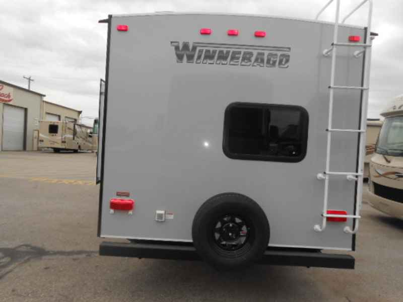 Popular 2017 Winnebago Industries Inc Paseo Bf848p For Sale