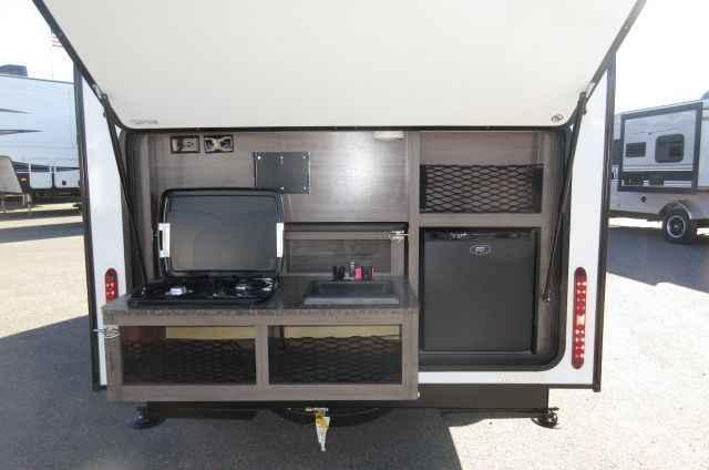 2017 New Winnebago WINNIE DROP 170K Outdoor Kitchen Travel Trailer In  California CA