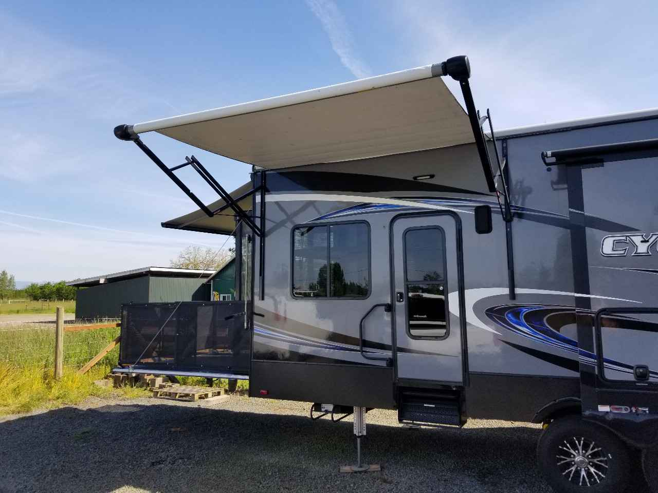 2017 Used Heartland Cyclone 4000 Elite Toy Hauler In Oregon Or